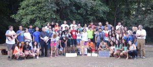 Grupo completo en Campamento JEC Extremadura 2018 junto a el obispo de Plasencia Jose Luis