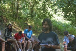 Teo, consiliario MJRC, dinamizando JEC Universidad sobre Ecología Integral